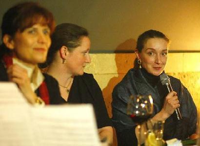 FOTÓ: ROHONYI D. IVÁN – Hölgykoszorú a Bulgakovban: Lévai Anikó, Molnár-Bánffy Kata és Ugron Zsolna