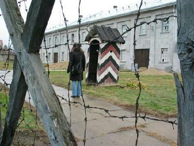 Nisben, az egykori koncentrációs táborban – A SZERZŐ FELVÉTELEI