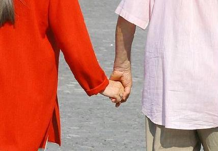 A módosításra javasolt alkotmány szerint férfi és nő alkot családot – ROHONYI D. IVÁN FELVÉTELE