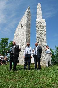 Koszorúzás a cserhalmi emlékműnél – ZOLTÁN CSABA
