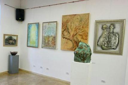 A kiállítás egy szeglete Tosa Szilágyi Katalin, Kolozsi Tibor, Valovits László, ifj. Starmüller Géza és Palkó Ernő munkáival - ROHONYI D. IVÁN