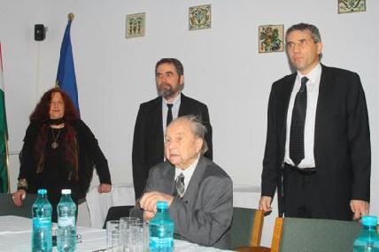 Előtérben az ünnepelt, mögötte Németh Júlia, Kolozsi Tibor és Magdó János - ROHONYI D. IVÁN