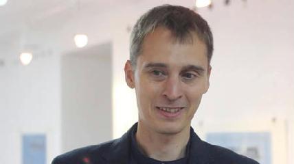 Károly Sándor Áron a kreativitás eszközeként tekint a fegyverekre - HANKÓ RENÁTA DALMA