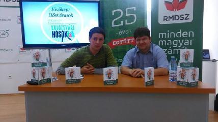 Bodor Lálszó (balról): a tenni akaró, közösségükért dolgozó fiatalokat célozzuk meg (Fotó: Facebook)