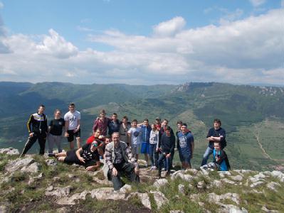 Újfajta élményt jelentett a sárbogárdiaknak a Székelykő megmászása