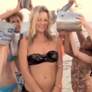 Kate Moss is vállalta a jeges kihívást