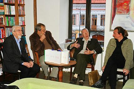 A könyvbemutató résztvevői (balról jobbra): Egyed Péter, Marius Tabacu, Horváth Andor és Alexandru Polgár (ROHONYI D. IVÁN)