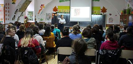 Nagy érdeklődés övezte a népmese-pedagógus előadását