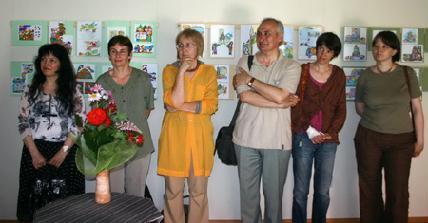 Hatan a kilencből a megnyitón: Szilágyi Tosa Katalin, Müller Kati, Forró Ágnes, Székely Géza, Szabó Zelmira, Bak Sára