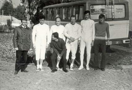 A Kolozsvári Munkás Sport Club (KMSC) párbajtőrcsapata 1973-ban, balról: Preszenszky, Sinkó, Orbán, Poruţiu, Szabó Pál, Pap János (a guggoló ismeretlen)