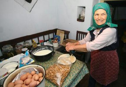 Diódarálással kezdi a pitekészítést Juhász Berta – ROHONYI D. IVÁN FELVÉTELEI