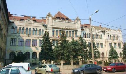 Az Árpád/Traian úti impozáns épület