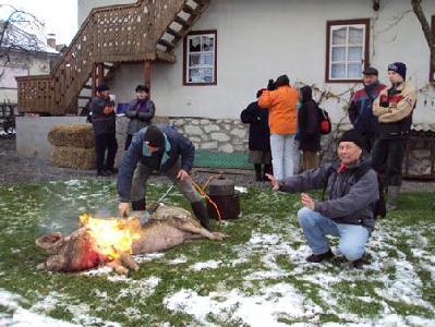 A SZERZŐ FELVÉTELE– Disznótoros régiólátogatás Kalotaszegen