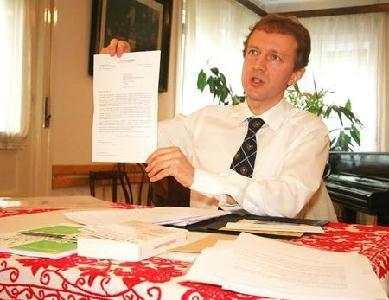 Hantz Péter bemutatta a svájci professzor által küldött levelet (ROHONYI D. IVÁN felvétele)