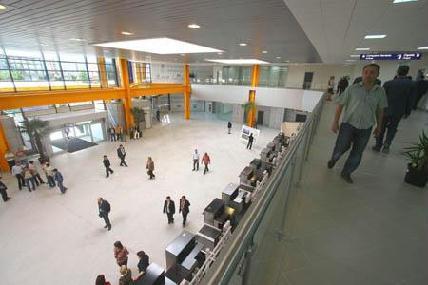 FOTÓ: ROHONYI D. IVÁN– A felújításnak köszönhetően megnövekedett a repülőtér forgalma