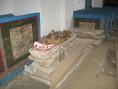 A magyarvalkói templomban viszonylag ép csontvázat, szétszórt csontokat és koponyákat is találtak – FERENCZ ZSOLT