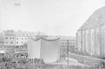 Egy évszázad után ismét leleplezésre vár a Mátyás-szoborcsoport – ARCHÍV