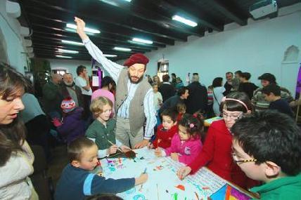 A gyerekek munkájában a főszervező, Macalik Arnold is részt vett (Fotók: ROHONYI D. IVÁN)