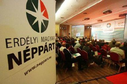 Az elnököt és a héttagúra bővült országos vezető testület tagjait választották meg szombaton - ROHONYI D. IVÁN