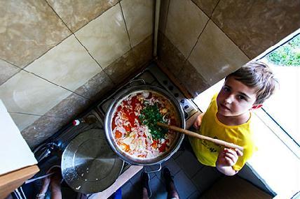 Ötven embernek főzni 100 lejből? (Ilyés Zalán felvételei)